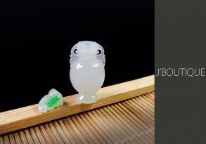 ミャンマー産天然無処理翡翠 香水瓶 オーナメント 手石 ペンダント ホワイト 明緑
